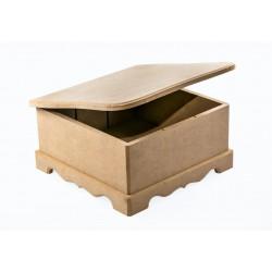 Pudełko z frezowana klapą